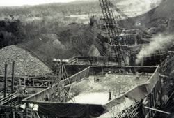 Construction of Buford Dam